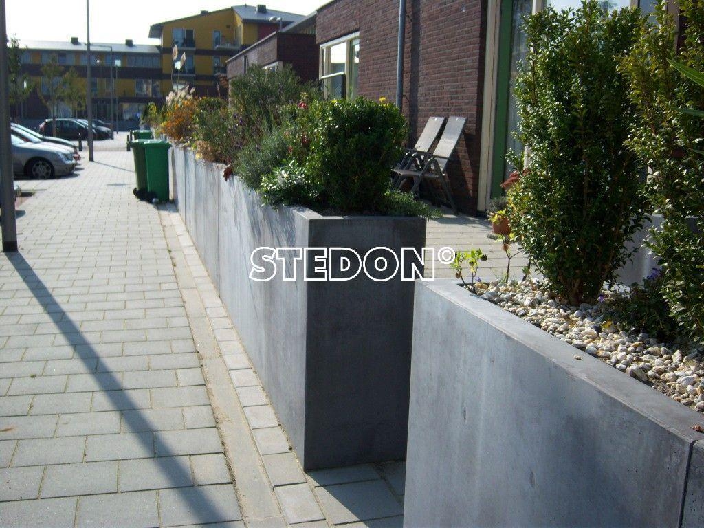 Bloembakken beton straatmeubilair