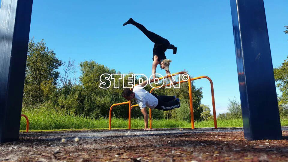 Calisthenics freerunning