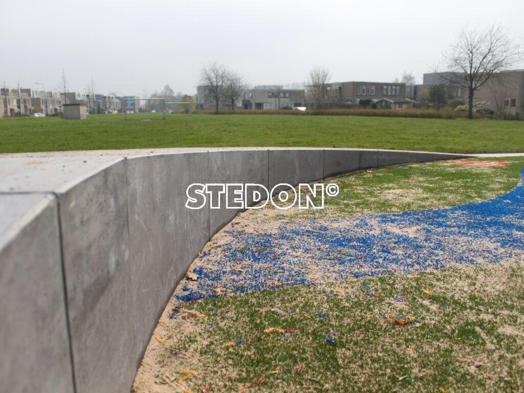 Parkranden, stadsranden, Parkrand, betonnen parkrand, Basis element beton, Zit element, zit elementen, zitelement, zitelementen, beton, Helling parkrand, aflopend element, betonnen zit element, zitblok, zitblok rechthoek